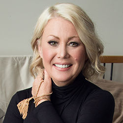 Jann Arden, Renowned Canadian Musician and Virtual Keynote Speaker